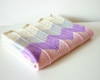Hand knitted baby blanket / baby blanket  / knit baby blanket / Merino wool baby blanket