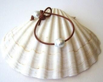 Leather Pearl Bracelet, South Sea Pearl Bracelet, Tahitian Pearl Bracelet, Pearl Leather Bracelet,White Pearl Bracelet,Pearl Leather Jewelry