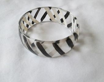 Vintage Retro Black White Clear Bangle Pastic Bracelet