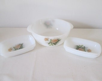 Great dish and 4 small dishes Bowls oven Arcopal decor pink pale vintage
