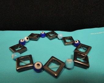 Diamond shaped beaded bracelet