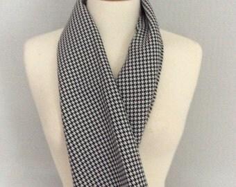 Houndstooth black & white check scarf