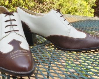 Vintage L.J. SIMONE 2 Tone Leather Heels Lace Up Western Spectator Shoes Made In Brazil Shoe Womens 10M