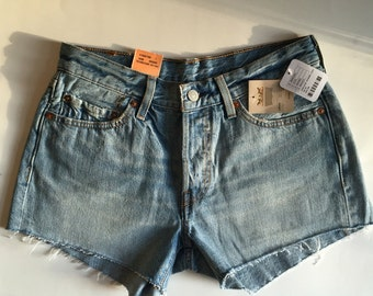 New Levi 501 shorts from urban outfitters size 26