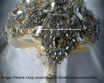 full price Ready to ship ivory brooch bouquet, cascading bouquet, brosch bouquet, bouquet de fleur, jewelry bouquet, bling bouquet