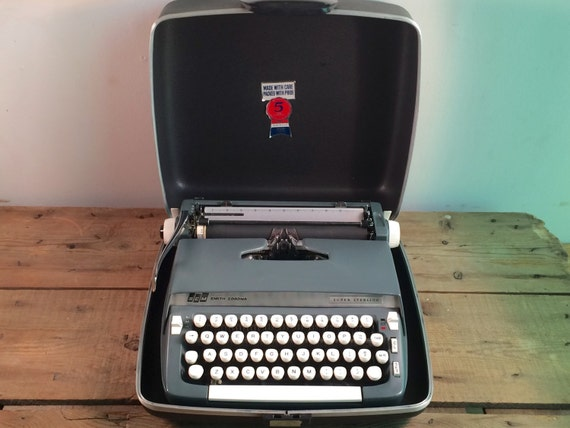 Smith Corona Super Sterling Manual Portable Typewriter... super sweet