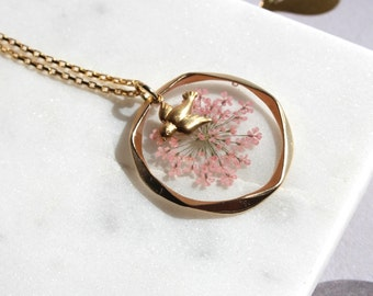 Queen Anne's Lace Necklace ( Pink )