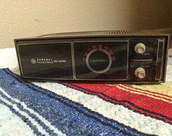Vintage General Electric FM Radio Dual Speaker Solid State in great working condition.