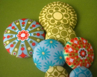 Geometric Flower fabric covered Sewing Button Set