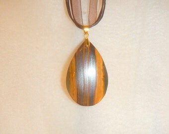 CLEARANCE - Teardrop shaped Tiger's Eye pendant (JO422)
