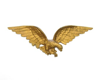 1960s Federal Style Eagle Wall hanging - Mid Century 1960s