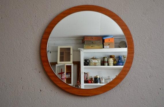 Miroir rond en teck vintage r tro ann es 60 scandinave sixties for Miroir rond deco