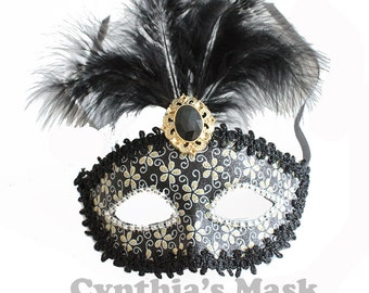 Black Venetian Masquerade Mask w/Feathers and Glitter for Party Prom Mardi Gras  SKU: BZ632B (7M41)
