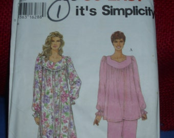 Simplicity 9325 Size A / XS,S,M,L,XL / Vintage Misses Nightgown and Pajamas  Pattern / Uncut Pattern Factory Fold