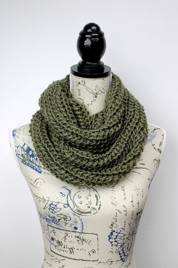 Gift For Dad Chunky Scarf Knit Circle Scarf Knit Cowl Scarf Knitted Infinity Knit Scarf Winter Accessories Gift Womens Oversized Knitting