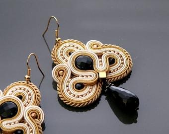 Beige gold ecru soutache earrings with Onyx.