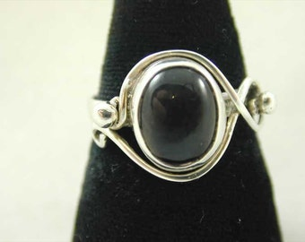 Vintage Sterling Silver Cabochon Smokey Quartz Solitaire Ring Dated 1977