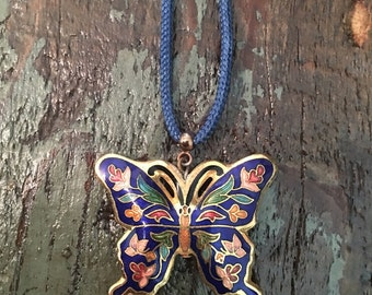 Vintage Gold Butterfly Pendant necklace