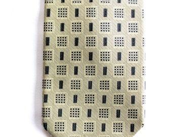 Vintage Bergamo New York Silk Tie. Mens ties, silk ties, geometric design ties. Excellent gift