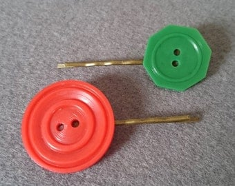 Vintage Button Hair Pins, Red and Green, Xmas