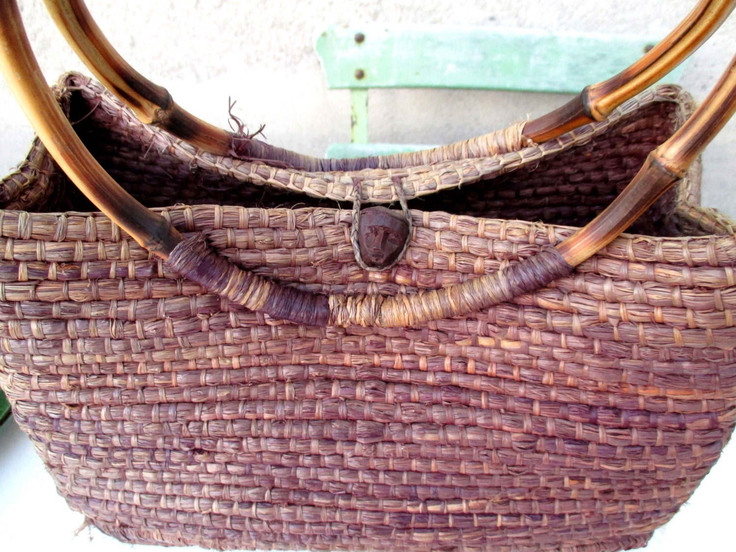 Handmade Straw Basket : Woven handmade african straw basket with carved head