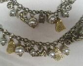 Kitty Cat Charm Bracelet/Kitty Charm Bracelet/Handmade/Cat Jewelry/Cat Charms/Cat Lover/Charm Bracelet/Pearl Charm Bracelet