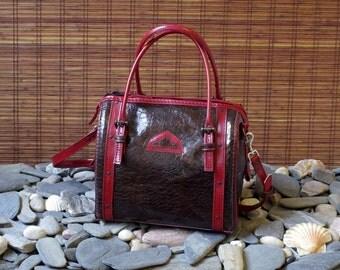 "handbag, tote bag, ""bowling"" in red and brown calf leather crocodile print"
