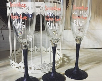 Last Fling Before the Ring - Glitter dipped Stem - Bachelorette Party Champaign Flutes - Bridesmaids Gifts - Bridal Shower Champaign Flutes