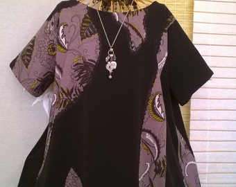 Plus size quirky Lagenlook black tunic top, embellished with patterned dusky lilac fabric & black lace, size generous 14-16-18-20/22?