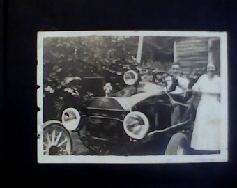 5 Vintage autos with people 1920's photos (5)..2.5 x 4