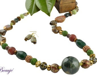 Green necklace Brown necklace Gemstone jewellery Semi precious long necklace Glass beads Elegant Beauje Handcrafted Vermeil