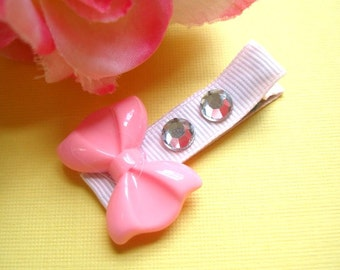 Light Pink Plastic Bow, Fully Lined Clip, Hair Clippie, Girls, Babies, Hair Clip, Rhinestone