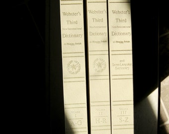 Websters Third New International Dictionary and Seven Language Dictionary, Unabridged, 3 Volume Set, 1976