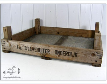"old wooden box of the company ""Fa. Staventuiter - Onderdijk"""