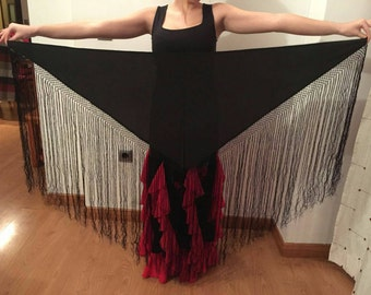 Mantoncillo handmade black fringed