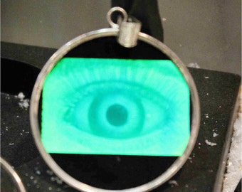 Silver/ Hologrampendant, Eye in Glas fastened