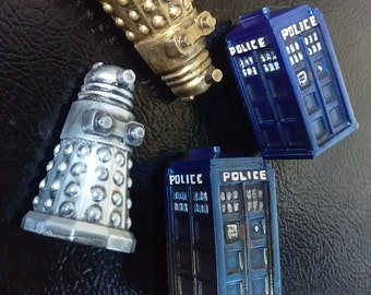 Whovians! Show your love of all things Doctor Who with Tardis and Dalek magnets!!!