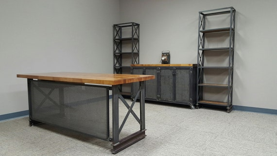 Complete industrial office set up carruca desk for Sillas escritorio uruguay