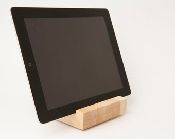 Maple iPad/Tablet Stand