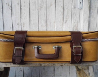 Vintage: old german luggage suitcase from the 50s