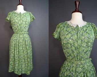 60's Dress.......60's Green Poly Knit Zip Up Shirtwaist Dress