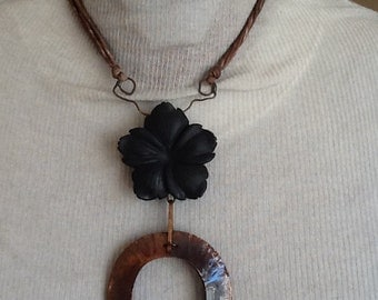 Copper pendant, silk and Onyx.
