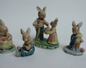 Vintage set rabbit bunny figurines Peter Rabbit Wade