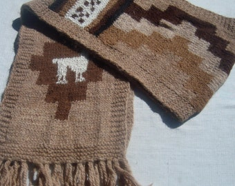 Warm and comfortable 100% alpaca wool hand knitted scarf, light brown color, woven, rustic, artisan, andean, warm, soft