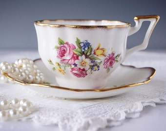 Salisbury English Tea Cup and Saucer, Made in England, Floral Tea Cup Set, Tea Cup with Flowers, Bone China, Tea Party, Gift for Her, 1940s