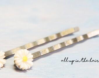 Tan Daisy Bobby Pins - Small Flower Bobby Pins