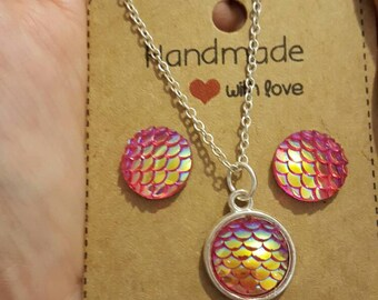 Dark pink mermaid scales necklace and earrings (options)