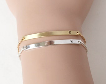 Custom bar bracelet, bridesmaid bracelet, Delicate minimalist Date bracelet, Roman Numeral Bar Bracelet, bridesmaid gifts, wedding bracelet