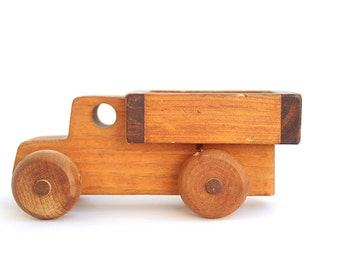 Farm truck | Vintage wooden toy truck
