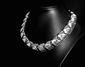 Vintage 60's Wide Link Choker Necklace     VG1821